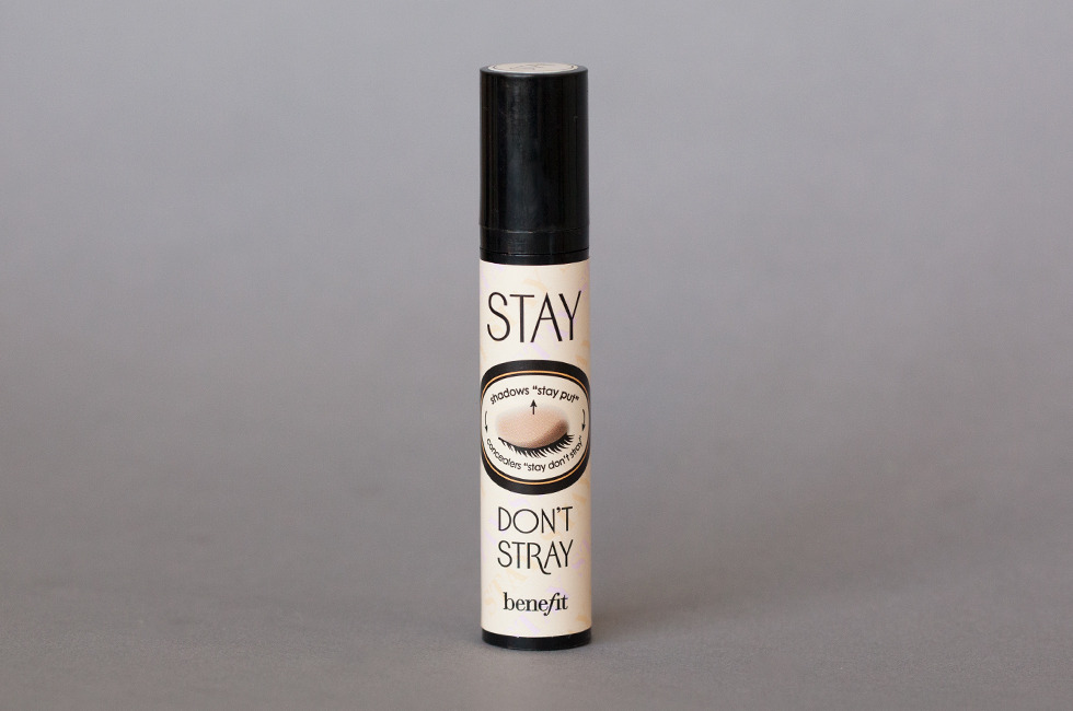 Eyeshadow Primer: Benefit Stay Don't Stray