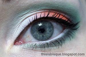 Tutorial: http://thisisbisque.blogspot.ca/2012/04/toxic-eyes-makeup-tutorial.html