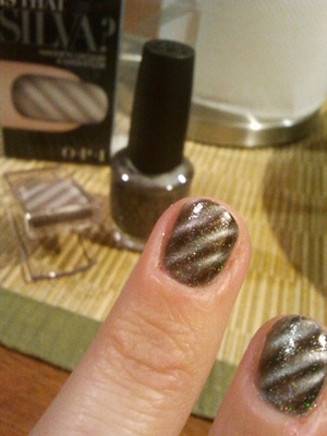 I recently tested this nail polish from OPI. It´s actually amazing! You just put on two coats and put your nail under the magnet that comes with it, and after a few seconds, bam! the polish has transformed into this striped 3d looking cool look :) The product i used was not the OPI get bonded, but almost. Couldn´t find the right one in search.