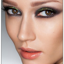 Smokey Eye Makeup with MAC 3D Gold Glitter
