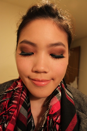 bronzy, burgundy eyes & big lashes!