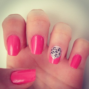 "Leopard Print and ""v"" French Tip"