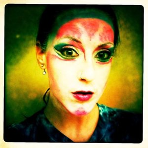 my attempt at one of Katy Perry's looks in her ET video music video:http://youtu.be/t5Sd5c4o9UM Andrea's Choice Tutorial: http://youtu.be/XRrnAnkU0so