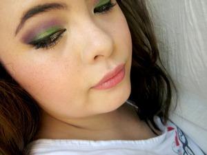 Purple green pop eye make up