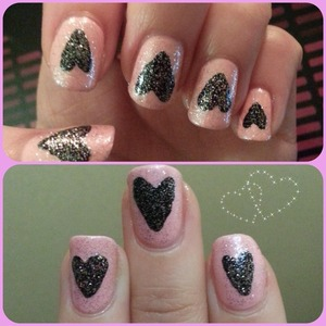As cute pink sparkly nail design for Valentines Day :)