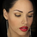 Red lips and golden eyes http://thedressychick.com