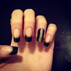 #gold #sparkles #black #nails