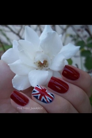 British themed manicure inspired by the royal wedding!!