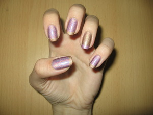 http://arvonka-nails.blogspot.sk/2012/06/pupa-milano-holographic-lilac.html