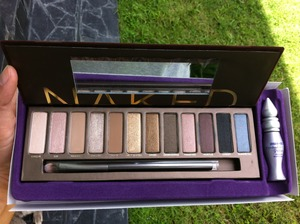 If I can buy it in my country then I got this palette long time ago.