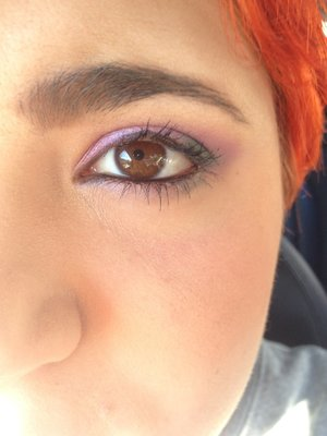 I tried 2 of my neve cosmetics mineral eyeshadows: stregatto and pixie tears :3