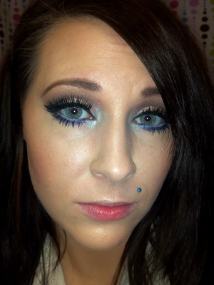 Neutral with a pop of purple smoked out under the eye :)