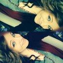 green eyes & brown hair