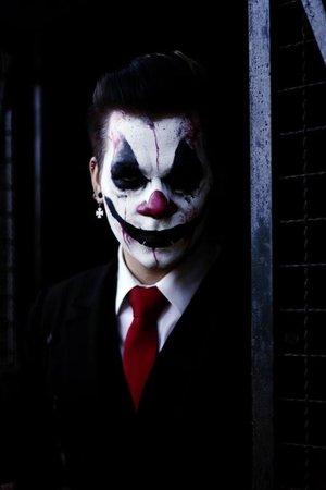 I decidet to do a scary Clown-Makeup  enjoy my attached tutorial: https://www.youtube.com/watch?v=q5bkrzcDehk