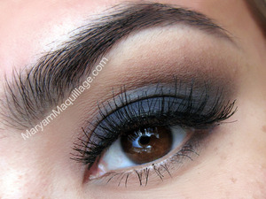 bluesy smokey eye: http://www.maryammaquillage.com/2012/08/in-my-element.html