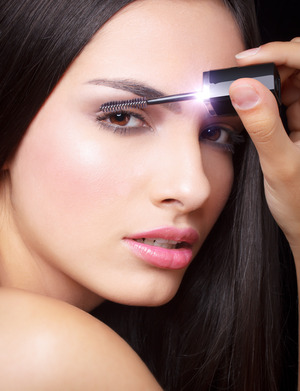Makeup: Lina Toro Creative director: AMC diseño creativo Model: Laura Luna / XY Models