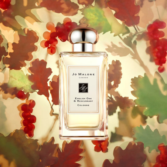 Alternate product image for English Oak & Redcurrant Cologne shown with the description.