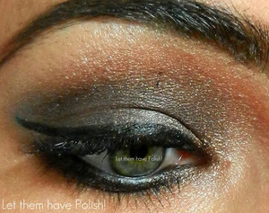 A simple look with a pretty cat eye
