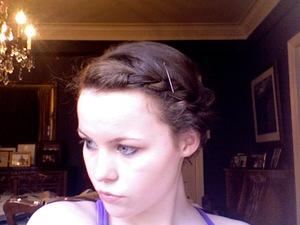 excuse the bobby pin, no prep just rope braided my naturally wavy (kinda frizzy) hair