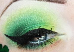 More pics: http://www.unique-desire.com/2012/03/st-pattys-comin.html