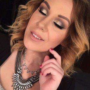 Using Anastasia Beverly Hills single eyeshadows - sienna, truffle, noir and metal