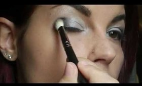 Sheer Silver Smokey Eyes