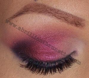 http://www.abrilliantbrunette.com/2012/02/smokey-mac-hepcat-eyes.html