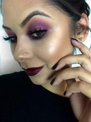 Beauty Blogger | Makeup Artist www.ArielHope.com Instagram | @Ariel_Hope Twitter | @ArielHopeMakeup Facebook | ArielHopeMakeup