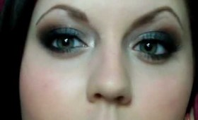 Gunmetal Smokey Eyes