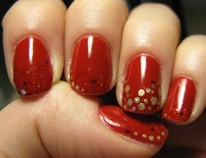 Love this Essence polish from 'circus circus' collection + gold polish!