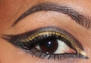 The stunner eye to compliment my queen bee look: http://chinadolltt.blogspot.com/2012/06/queen-bee.html