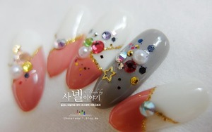 Have you heard of Korean stone nail art? if not, why don't you briefly see them and share? :D visit my blog at: http://saranail.blogspot.kr