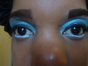 This is a look I created just to play with my makeup