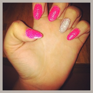 Pink and silver glitter💋💅