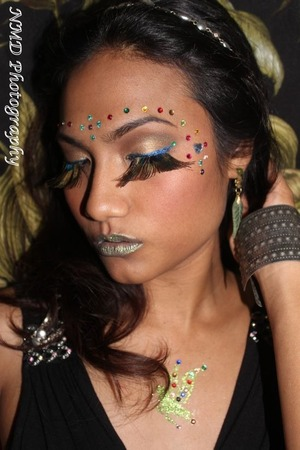 Gems, peacock lashes and glitter http://www.bellezzabee.com/2013/02/fairy-fantasy.html