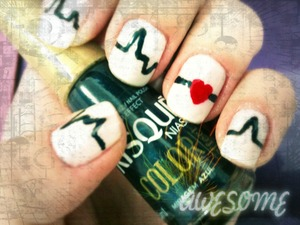Gorgeous nail art for those people who love medicine. All nail designs are original and made by myself. They all belong to my nail album ESMALTADAS. Brazilian nail polish: Risqué/Miragem azul/Color efect; Risqué/Classic/Cremoso; Risqué/Beijo/Cremoso; Ana Hickmann/Paixão/Cintilante.