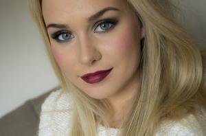 http://agneslovise.blogg.no  On lips: Elf lip liner and blending brush WINE MAC lipstick ABSOLUTE POWER