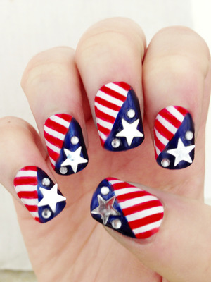Here's my attempt at 4th of July nails! :)