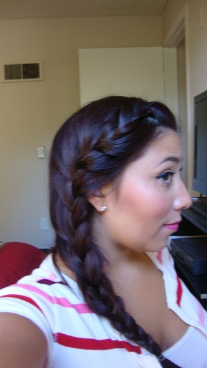 My summer go to hairstyle! Go to my channel to see how i did it :)