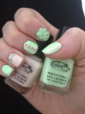 I recently subscribed to Birch Box, and in my second month (June) I received these two Colour Club nail polishes. I am not sure if these colours are limited edition / exclusive to Birch Box, but 'London Calling' is a light neon green, not too in your face, and 'Mod In Manhattan' is the off white colour.