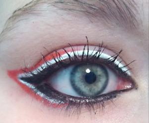 http://deathbypolkadot.com/chicago-blackhawks-makeup/