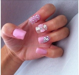 Pink glitter prommy nails!(: