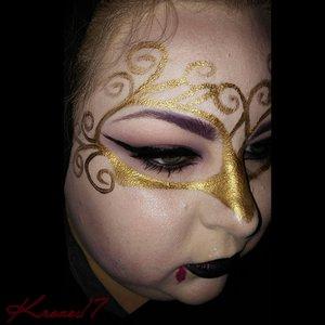 I'm a vampire! Can't you tell? ! I sparkle! !???  #Facepainting #creative #Mehron #occ #Urbandecay #Lorac #Camerareadycosmetics #katvondbeauty  #interestingmakeup #beauty #beautyproducts #beautyshot #cosmetics #makeup #makeuplook #makeuptrends #instabeauty #instamakeup #Kroze17
