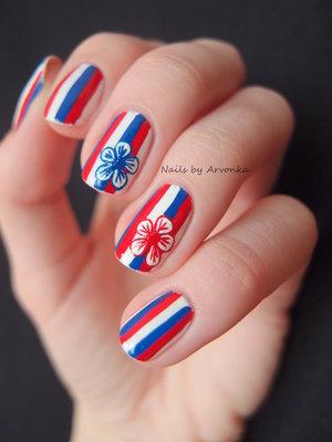 http://arvonka-nails.blogspot.sk/2015/02/biela-modra-cervena.html