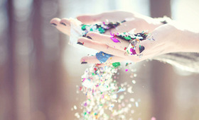 Glitter Grabbers: The Best Application Tools to Apply Sparkle