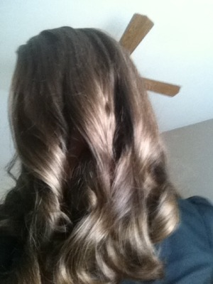 This is my hair when it is curled using rollers, it looks cuter with a curling wand but i still love the big bouncy curls