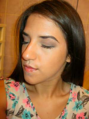Mascara,little daily shadow,bronzer and lipgloss