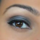 Grey smokey eye