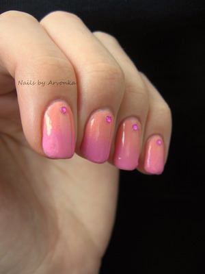 http://arvonka-nails.blogspot.sk/2012/11/oranzovoruzovy-gradient.html