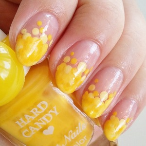 more photos, polish list: http://www.beautybykrystal.com/2013/03/march-nail-challenge-day-15-yellow.html